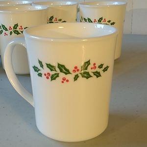 "vtg Corning ""Winter Holly"" Coffee Mugs, Set of 7 Christmas Mugs Holly and Berri"